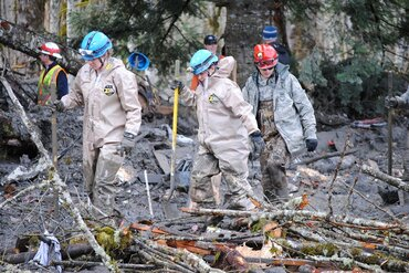 Washington National Guard search the Oso landslide