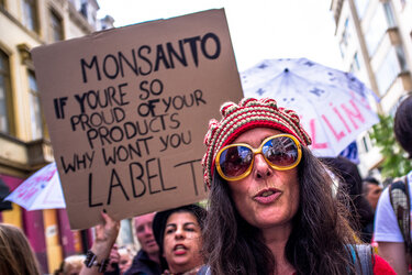 Protesters push for labeling genetically modified foods.