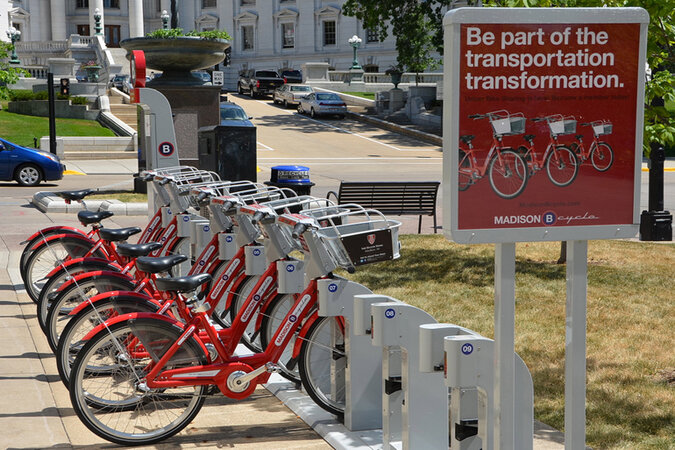 The University of Madison-Wisconsin subsidizes membership in the city's bikeshare program.