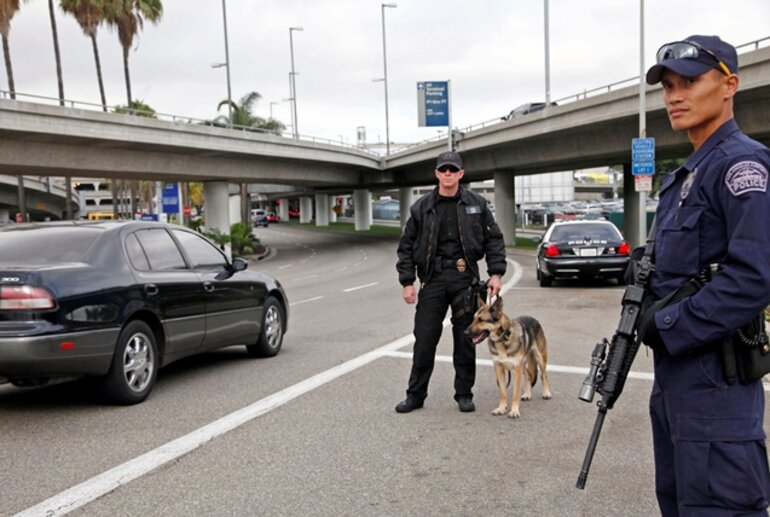 Los Angeles Airport officer