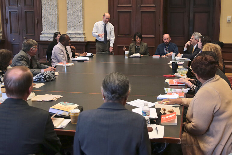 """Members of the """"Good Government Book Club"""" discuss <i>Change or Die</i> with Baltimore Mayor Stephanie Rawlings-Blake (center)."""