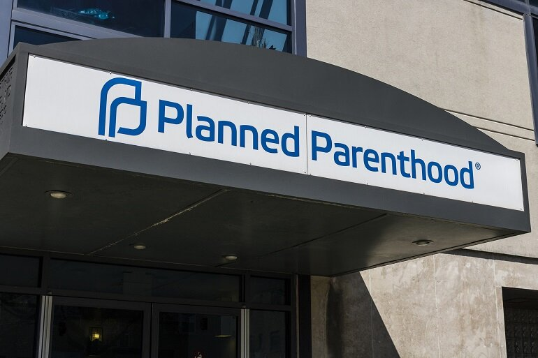 Trump presents plan for Title X changes to cut Planned Parenthood funding
