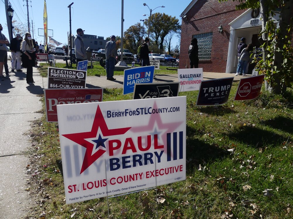 Yard+signs+outside+the+VFW+hall+in+Maplewood%2C+Mo.%2C+highlight+state+and+national+candidates.